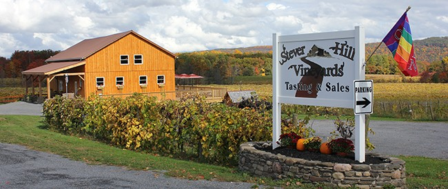 stever hill vineyards tasting room sign